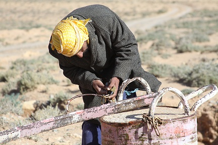 Man opening road to ghassool mines